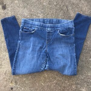 Levi Pull On Skinny Jeans